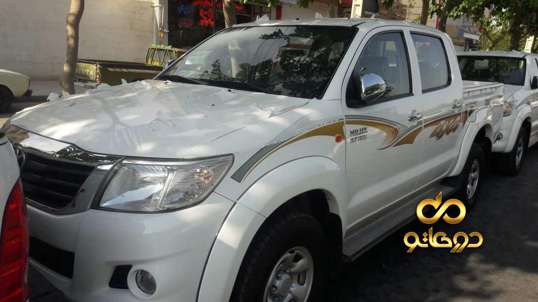خرید خودرو تویوتا هایلوکس دو کابین دنده ای در اصفهان